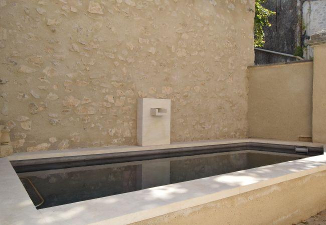 Maison à Eygalières - Bel Appartement, centre village piscine chauffée